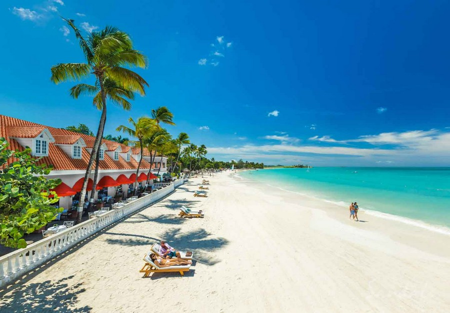 8d5492af3bbdbd Looking for the best beach  Then Sandals Emerald Bay may be for you. You  will also find great beaches at Sandals Antigua